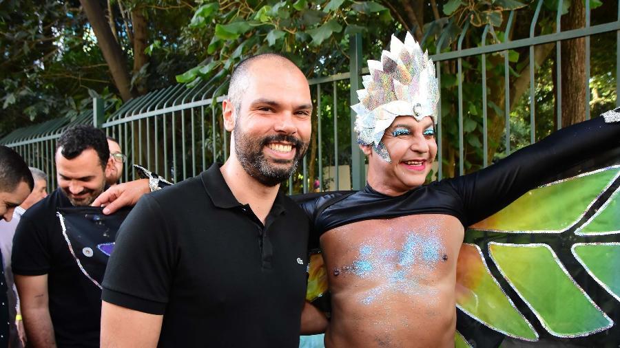 O prefeito Bruno Covas durante a 23ª Parada do Orgulho LGBT, na Avenida Paulista, em São Paulo - Ronaldo Silva/Futura Press/Folha