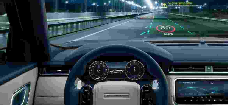 Tecnologia projeta limites de velocidade e até informações sobre congestionamentos diretamente no para-brisa - Divulgação