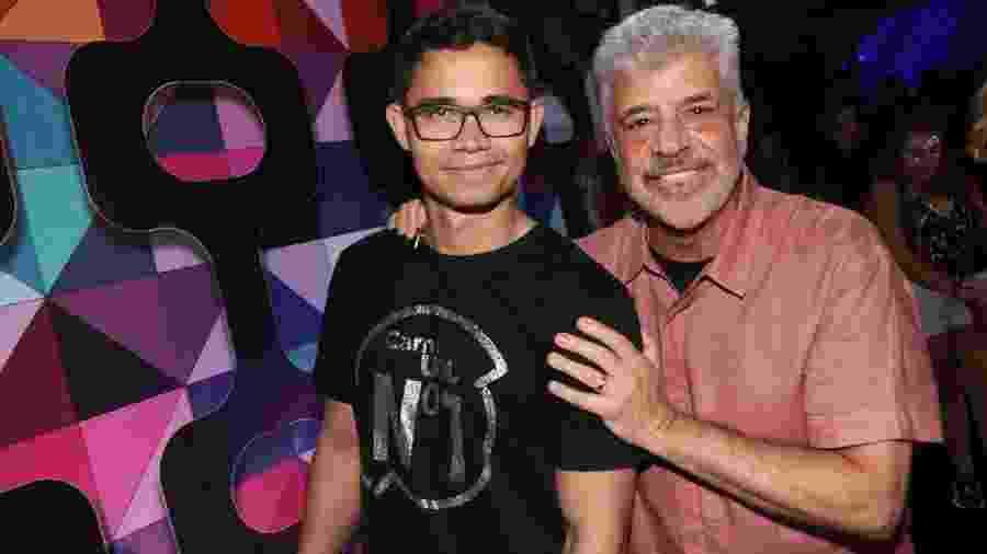 Lulu Santos e o marido Clebson Teixeira no Camarote CarnaUOL N1 na Marquês de Sapucaí, no Rio - Rogério Fidalgo/AgNews