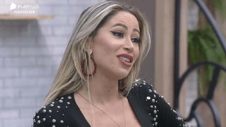 """Carol Narizinho anuncia punição aos peões de """"A Fazenda 2020"""" - Reprodução/PlayPlus"""