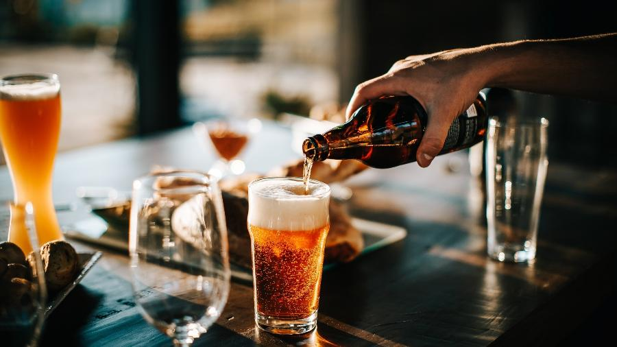 Cada cerveja tem um tipo específico de copo para manter as principais características; veja opções - Getty Images