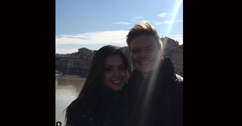 14.jul.2015 - No dia em que comemora nove meses de casado com Thaís Fersoza, Michel Teló usou seu perfil no Instagram para declarar seu amor.