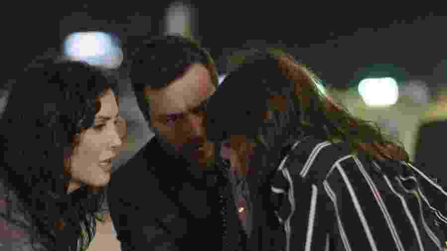 """Em """"A Força do Querer"""", Caio se depara com Irene e Mira juntas e elas disfarçam - Reprodução/Gshow"""
