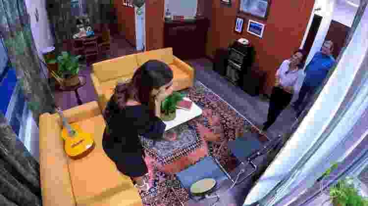 """Ivete Sangalo é surpreendida pelos irmãos no quadro """"Visitando o Passado"""", do """"Caldeirão"""" - Reprodução/Globo - Reprodução/Globo"""