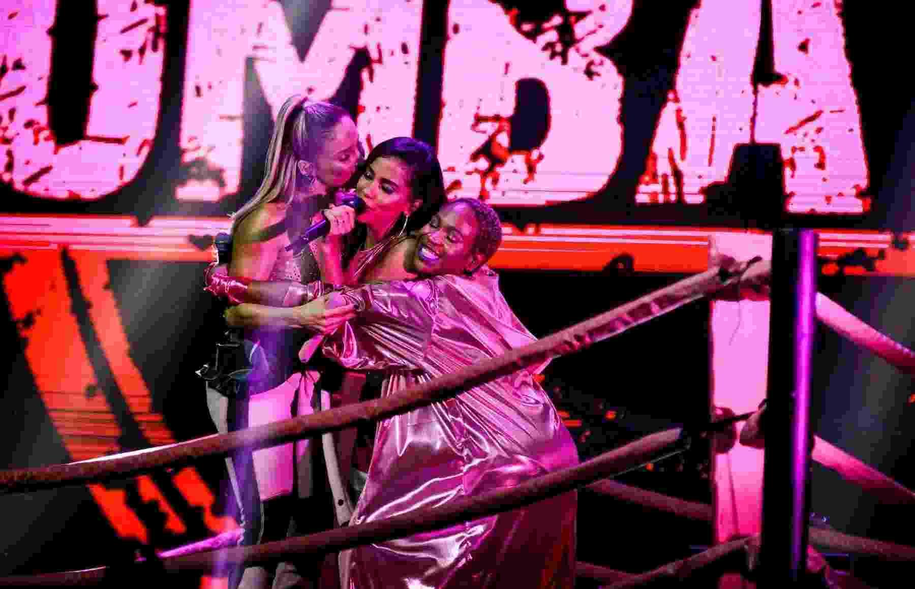 Anitta recebe Claudia Leitte e Karol Conka na festa Combatchy, em São Paulo - Mariana Pekin/UOL