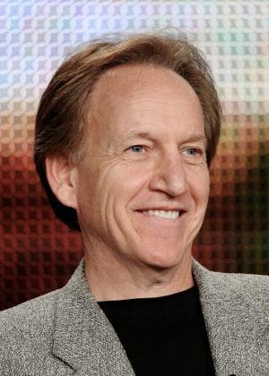"""O produtor Brad Kern, de """"NCIS: Los Angeles"""", durante o TCA, em Los Angeles"""