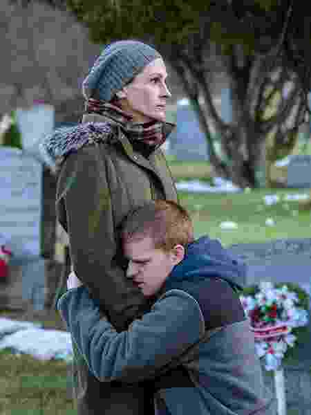 """Julia Roberts e Lucas Hedges em cena de """"O Retorno de Ben"""" - Divulgação"""