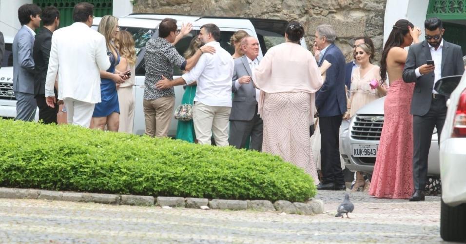 Renato Aragão vai ao casamento no Rio de Janeiro