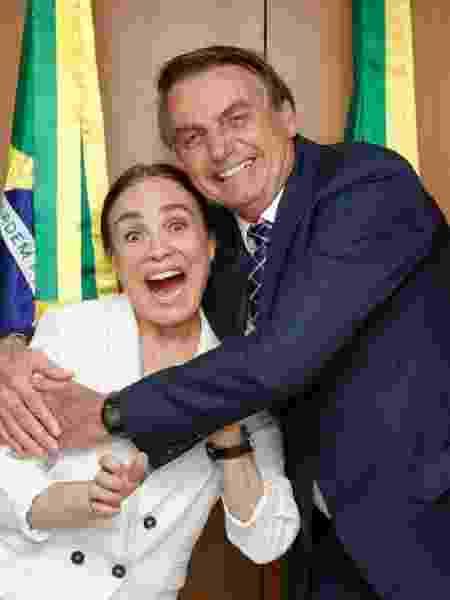 Bolsonaro e Regina Duarte se encontraram no Planalto na semana passada - Reprodução/Twitter