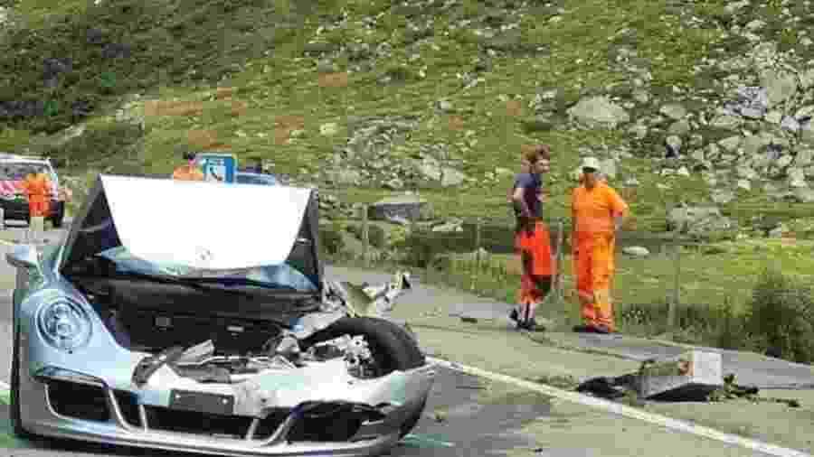 Porsche 911 Cabriolet bate em estrada na Suíça - Reprodução