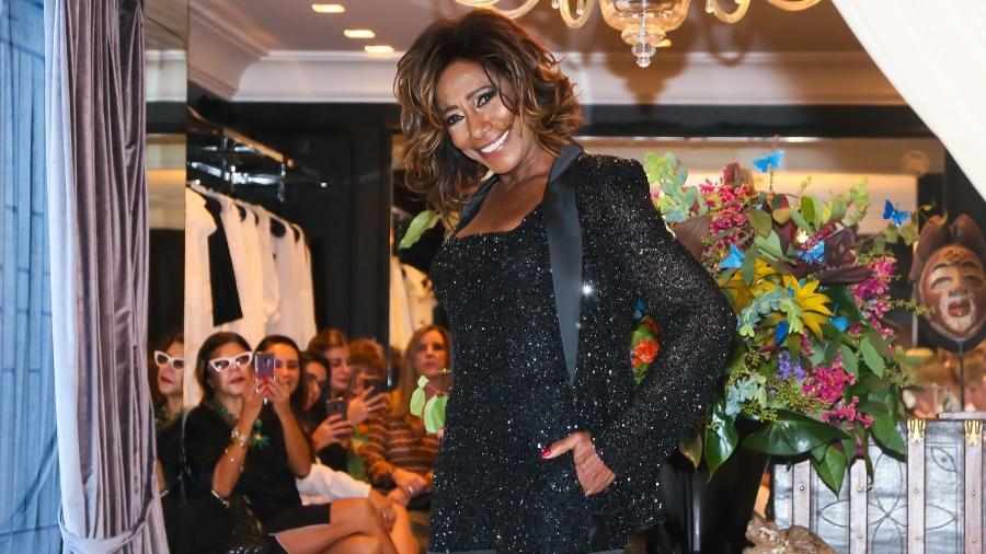 Gloria Maria desfila para o estilista Sandro Barros em São Paulo - Manuela Scarpa/Brazil News