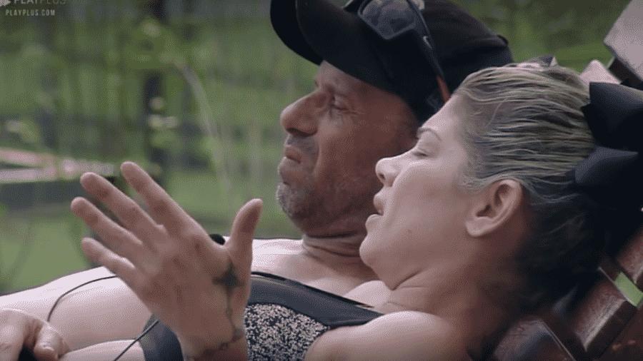 """Catia Paganote reclama da baia da semana em """"A Fazenda 10"""" - Reprodução/Play Plus"""