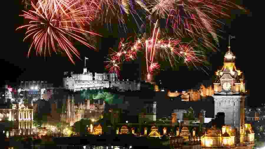 Festa de Réveillon em Edimburgo, na Escócia - Getty Images/iStockphoto