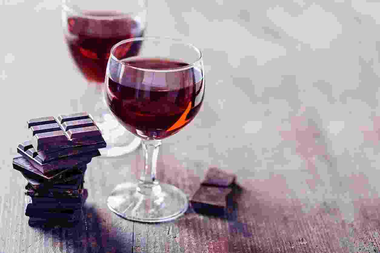 Chocolate e vinho - iStock