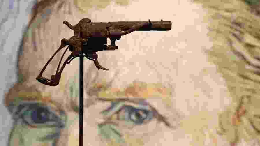 Suposta arma com a qual o pintor holandês Vincent Van Gogh teria se suicidado - François Guillot/AFP