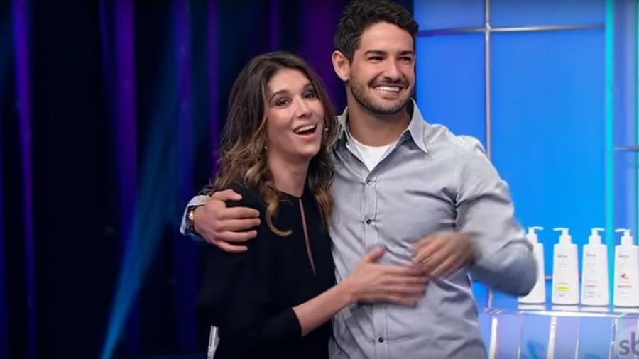 Alexandre Pato e Rebeca Abravanel no SBT - Reprodução