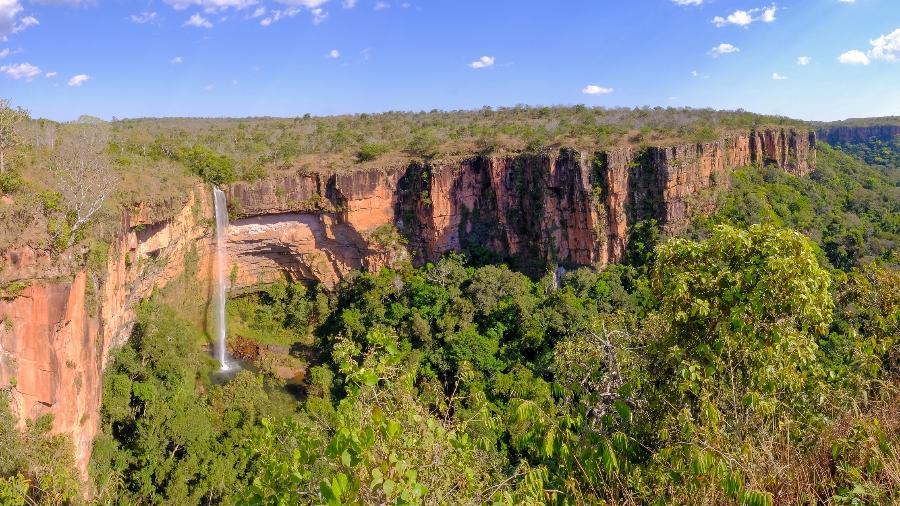 Cachoeira Véu de Noiva, na Chapada dos Guimarães; parque nacional vai para leilão - Getty Images/iStockphoto