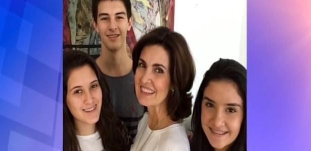 Fátima Bernardes com os filhos trigêmeos, que estão com 18 anos - Reprodução/TV Globo