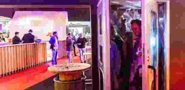 Uma das cabines discotecas é móvel e usada em eventos  - Teledisko - Teledisko