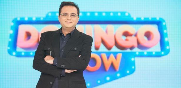 """O apresentador Geraldo Luís comanda o """"Domingo Show"""""""