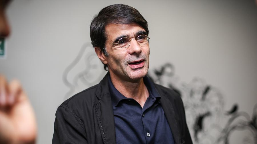 Torcedor fanático do Botafogo, o cineasta João Moreira Salles tem interesse em assumir o controle do futebol do clube de coração - Bruno Poletti/Folhapress