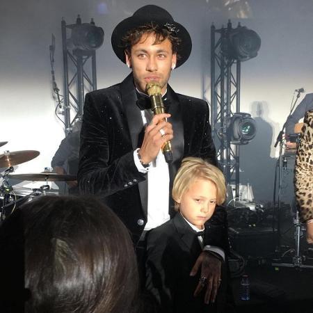 Neymar discursa com o filho, Davi Lucca, em sua megafesta de aniversário em Paris - Reprodução/Instagram