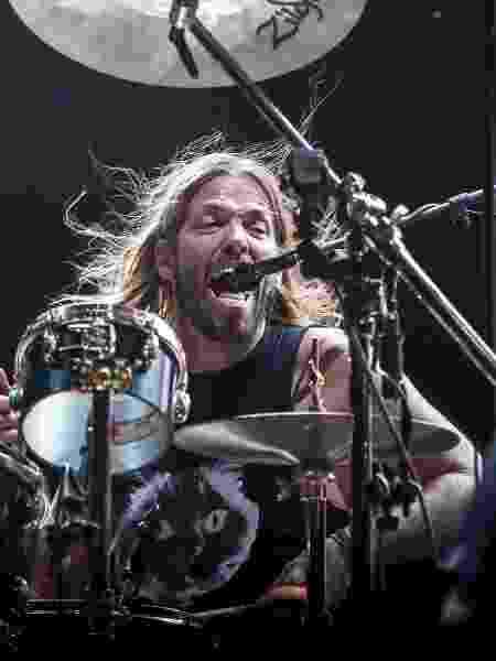 O baterista Taylor Hawkins se empolga durante show do Foo Fighters no Allianz Parque, em São Paulo - Lucas Lima/UOL