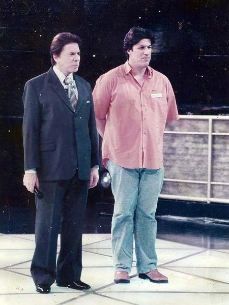Fábio Galileu, manipulador do boneco Tunico e ex-parceiro de Ratinho, aparece ao lado de Silvio - Imagem/Arquivo pessoal