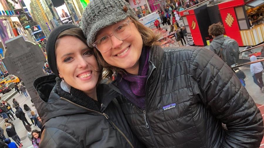 Stacy Bailey e a esposa - Instagram