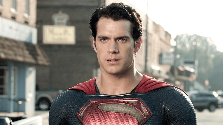 Henry Cavill em cena de Superman - Divulgação