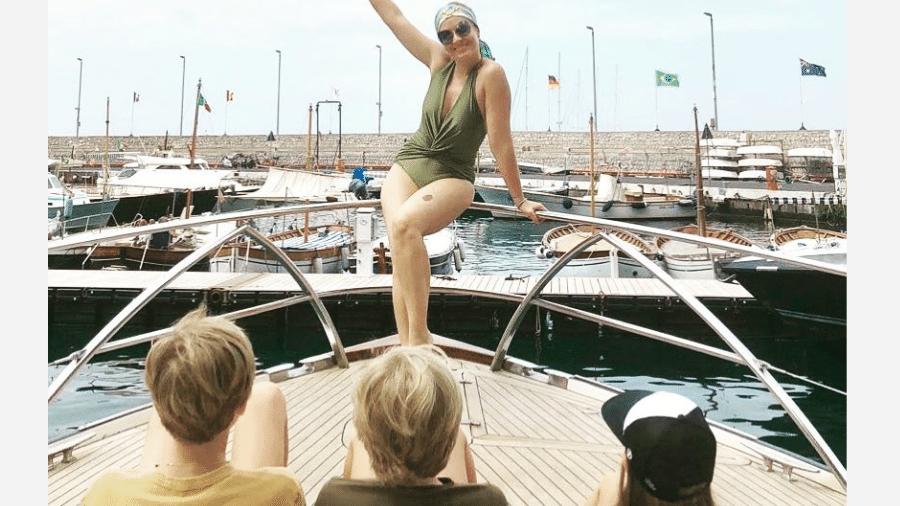 Angélica posa de frente para os filhos - Reprodução/Instagram