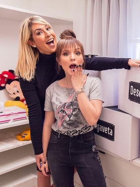 """Fernanda Paes Leme e Larissa Manoela no """"Desengaveta"""", programa do GNT - Reprodução/Instagram/larissamanoela"""