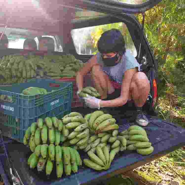 Entrega de alimentos em Terra Indígena Piaçaguera, no litoral sul paulista - Vivência na Aldeia - Vivência na Aldeia