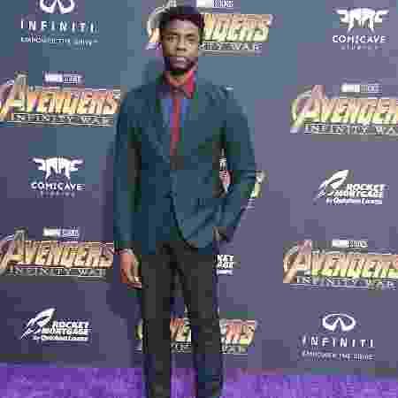 23.abr.2018 - Chadwick Boseman chega para o lançamento de Vingadores: Guerra Infinita em Los Angeles, na Califórnia - Steve Granitz/WireImage/Getty Images