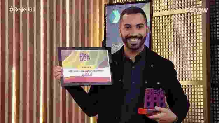 BBB 21: Gil do Vigor recebe prêmio no Rede BBB - Reprodução/Globoplay - Reprodução/Globoplay