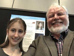 Student Karen Cunningham and Professor Troy Littleton - Reproduction/Twitter - Reproduction/Twitter