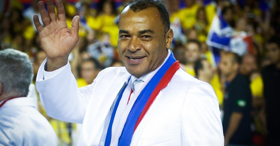 7.fev.2016 - O ex-jogador de futebol Cafu também participa do desfile da Vai-Vai, escola que homenageia a França no Carnaval