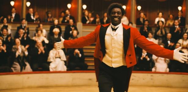 """Dirigido por Roschdy Zem, """"Chocolate"""" (2016) traz no elenco o ator Omar Sy - Divulgação"""