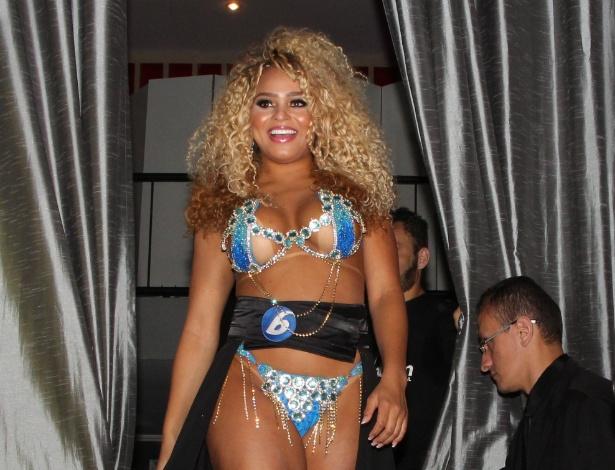 Erika Canela desfila na passarela do Miss Bumbum 2016, ela é a primeira negra a ganhar o concurso -  Renan Katayama/AgNews