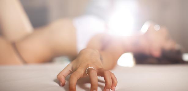 A masturbação pode ser fonte de prazer e conhecimento sobre seu próprio corpo