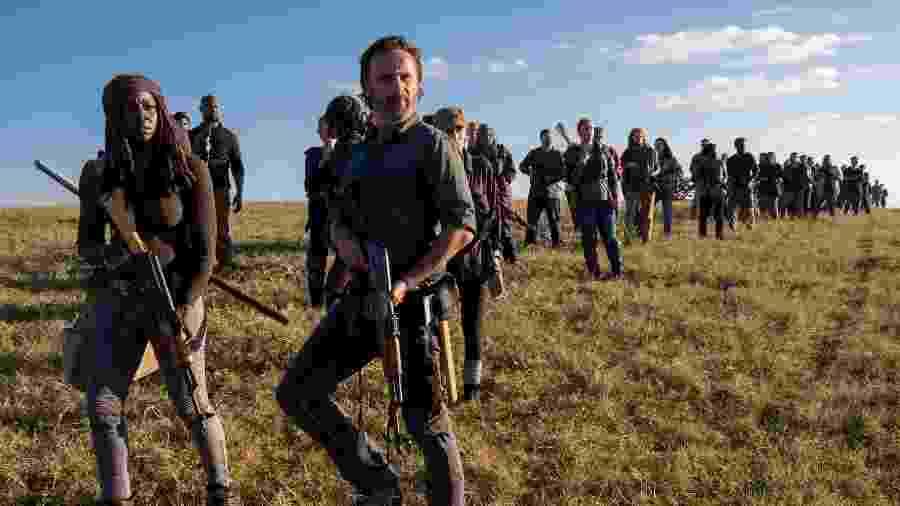 Michonne (Danai Gurira) e Rick (Andrew Lincoln) lideram grupo na guerra de Walking Dead - Divulgação