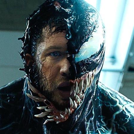 """Tom Hardy como Eddie Brock em """"Venom"""" - Reprodução"""