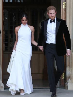 970d34474 Você pode ter uma cópia do vestido de casamento de Meghan Markle por ...