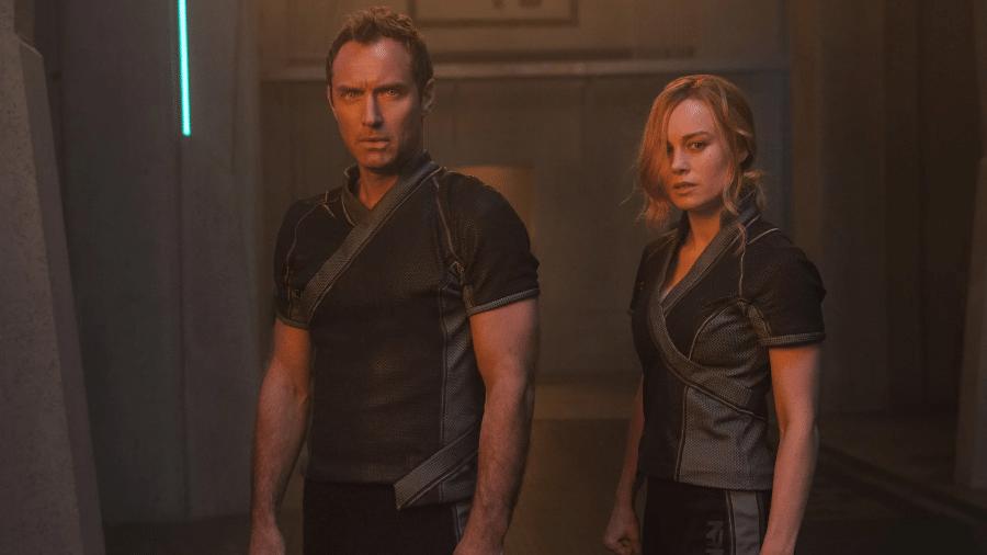 """Jude Law e Brie Larson em cena de """"Capitã Marvel"""" - Reprodução"""