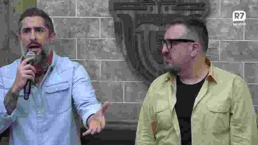 O apresentador Marcos Mion e o diretor Rodrigo Carelli na coletiva de imprensa de A Fazenda 11 - Reprodução/YouTube/A Fazenda