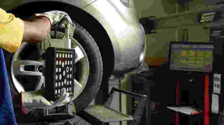 Alinhamento e balanceamento pneu pneus - Karime Xavier/Folhapress - Karime Xavier/Folhapress