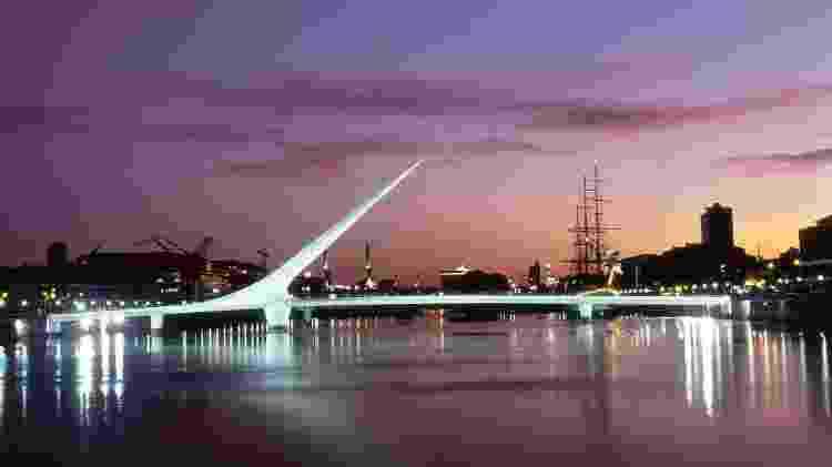 Puente de la Mujer: projetada pelo arquiteto espanhol Santiago Calatrava - Ente de Turismo de la Ciudad de Buenos Aires/Divulgação