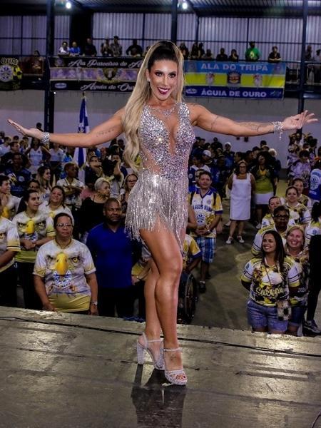 Tati Minerato é apresentada como musa da escola de samba Águia de Ouro, em São Paulo - Thiago Duran/AgNews