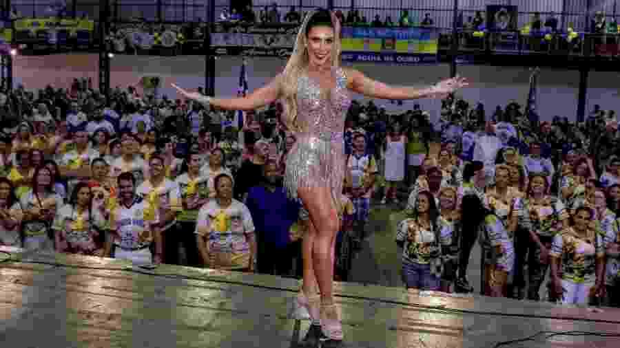 2.dez.2019 - Tati Minerato é apresentada como musa da escola de samba Águia de Ouro, em São Paulo - Thiago Duran/AgNews