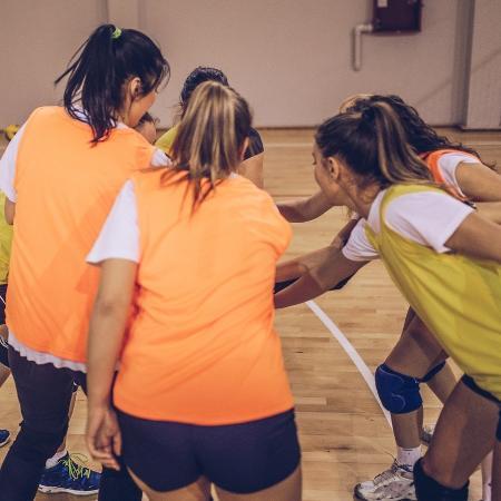 O esporte coletivo exige compromisso e respeito com os colegas. Se não for treinar, você prejudica todo o grupo - iStock